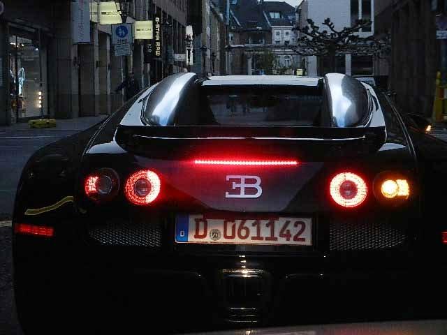 taximann bugatti veyron teil 1. Black Bedroom Furniture Sets. Home Design Ideas