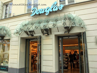 Shopping in Warsaw: Nail Polish! Douglas