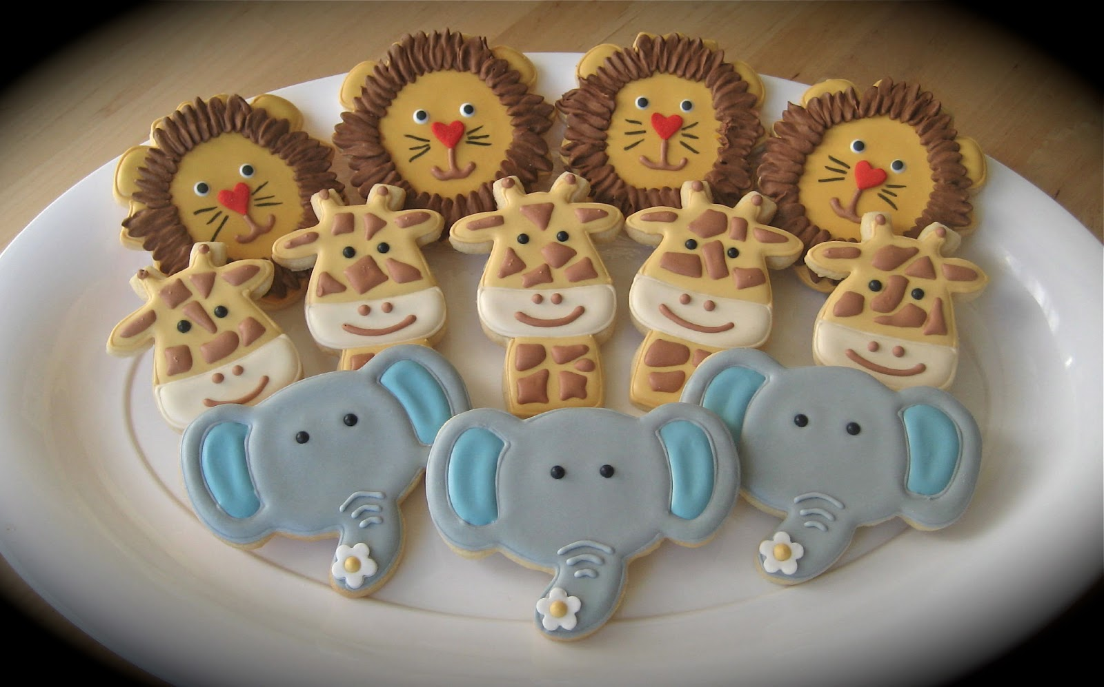 have a cookie safari themed baby shower cookies