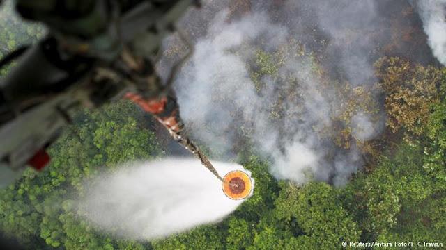 Setengah Juta Liter Air Dijatuhkan di Hotspot di OKI