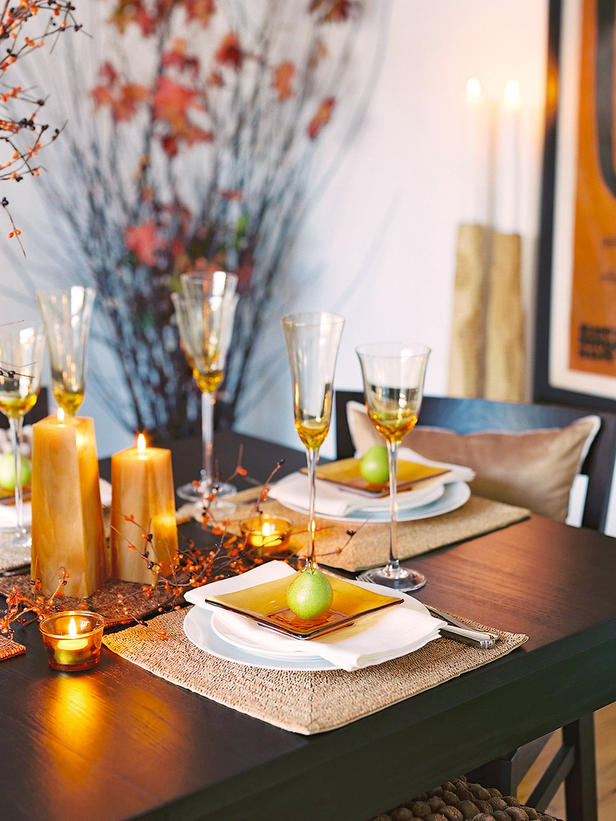 Add a Touch of Glitz & Modern Furniture: Thanksgiving Table Setting and Centerpiece Ideas ...