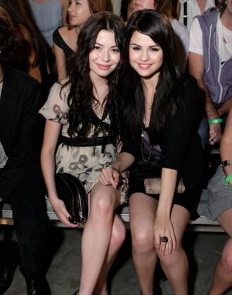 Selena Gomez y Miranda Cosgrove KCA 2012