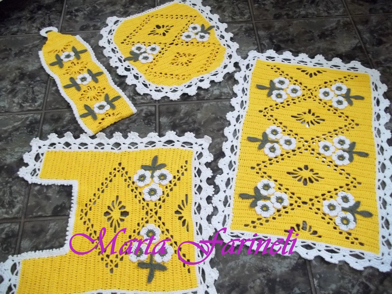 Farineli: Jogo de banheiro de croche em barbante amarelo com flores #AF931C 1600x1200 Banheiro Com Detalhes Em Amarelo
