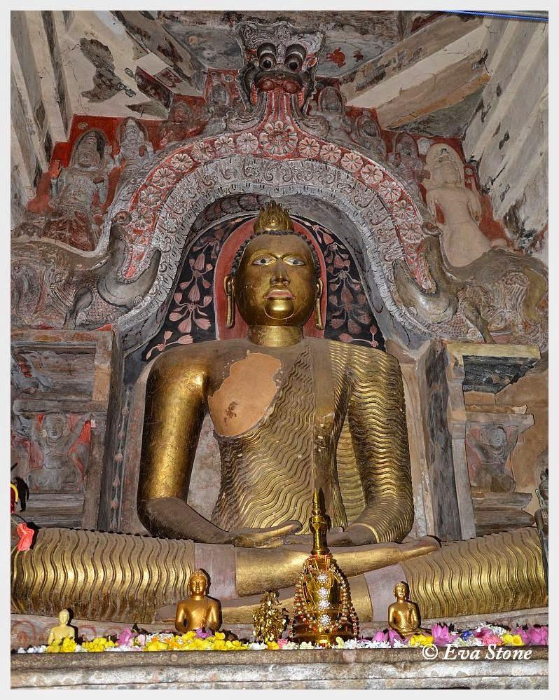 Eva Stone photo, shrine, Buddha statue, makara torana, Gadaladeniya temple