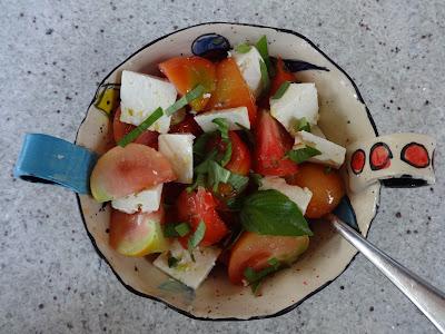 http://4.bp.blogspot.com/-CCHep7Mx5_w/UeV_f11Sl_I/AAAAAAAADbs/i5pu97nUmdk/s1600/paradajz+sir+bazilika.JPG