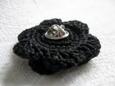 https://www.etsy.com/listing/167907379/clutch-back-flower-pin-handmade-crochet?ref=shop_home_active