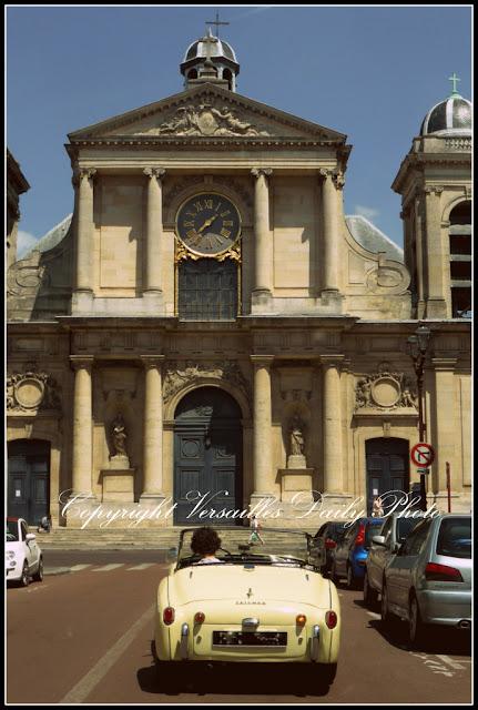 Notre-Dame de Versailles voiture Triumph