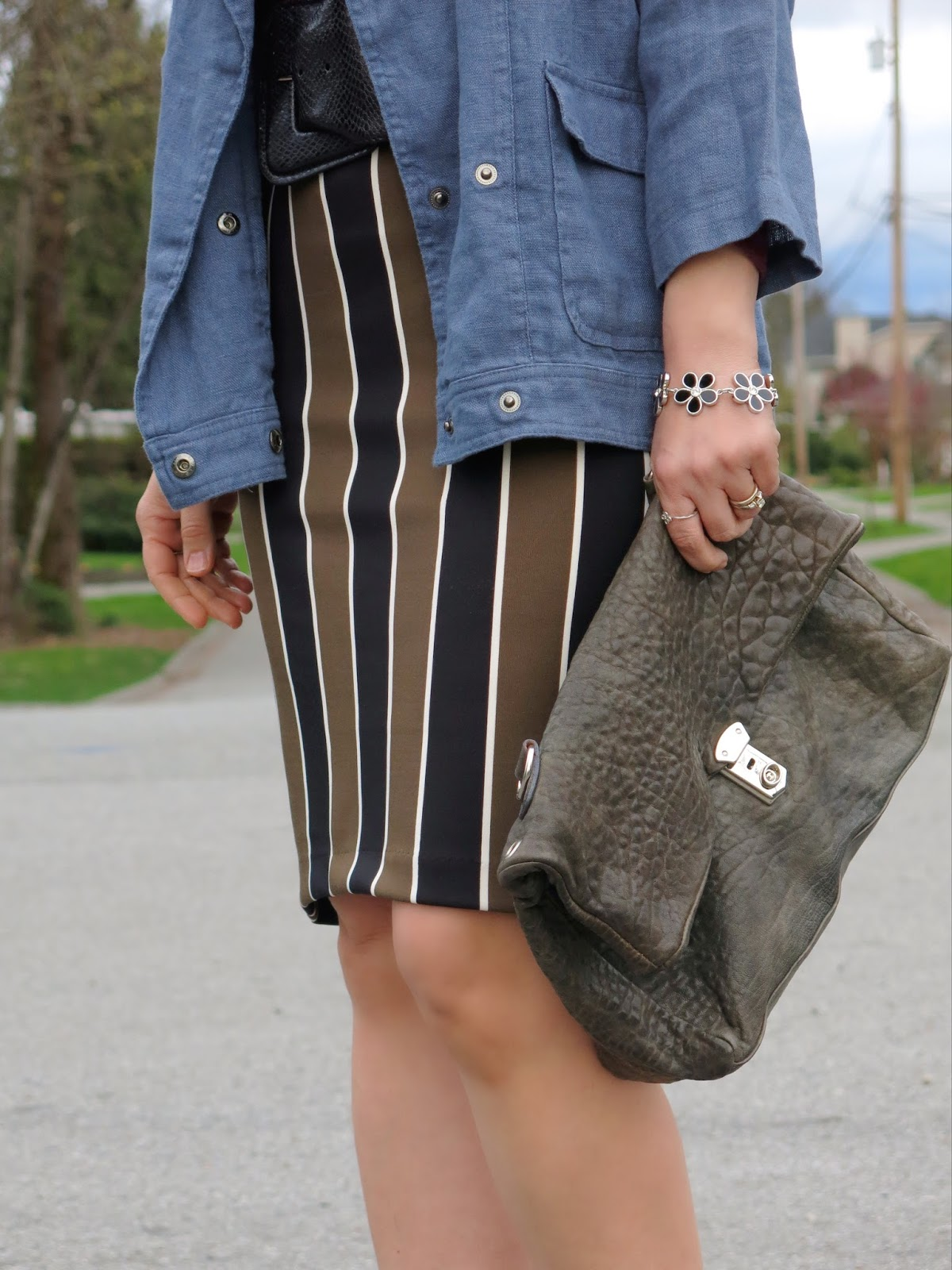striped pencil skirt and accessories