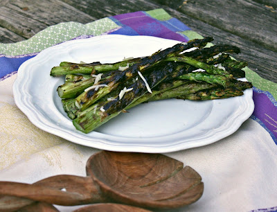 asparagus, grilled asparagus, grilled vegetables, vegetables, grilling, healthy food, side dish, healthy, healthy grilled food, healthy vegetables