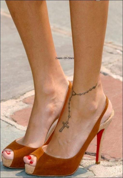Fashion world july 2011 fashion world for Foot tattoo aftercare
