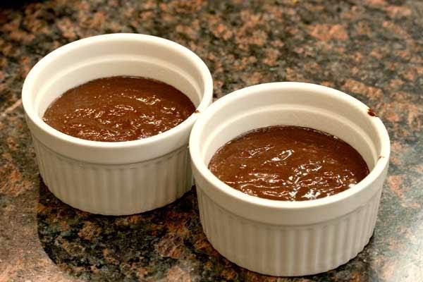 Hazelnut Mini Cakes in Ramekins