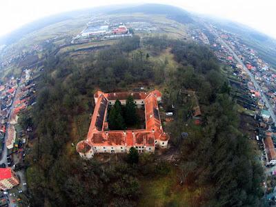 Erdély, Gyalui várkastély, Kincses Kolozsvár Egyesület, kultúra, Traditio Transylvanica Alapítvány, történelem,