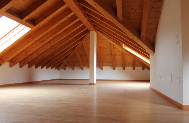 Ristrutturazioni case ricavare spazio nel sottotetto - Recupero sottotetto ...