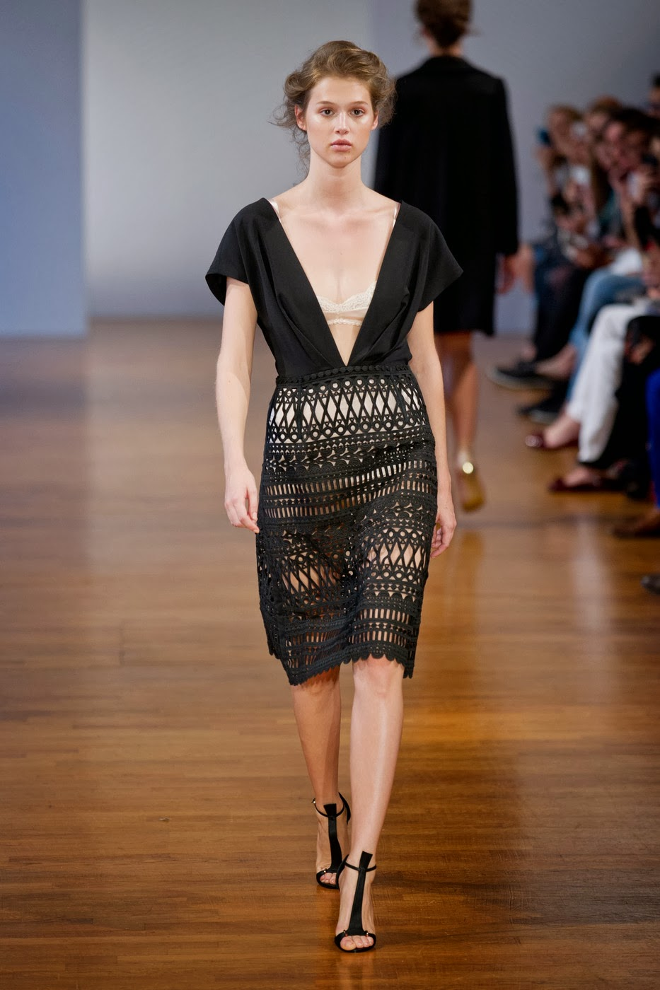 Collette dinnigan fashion show 1