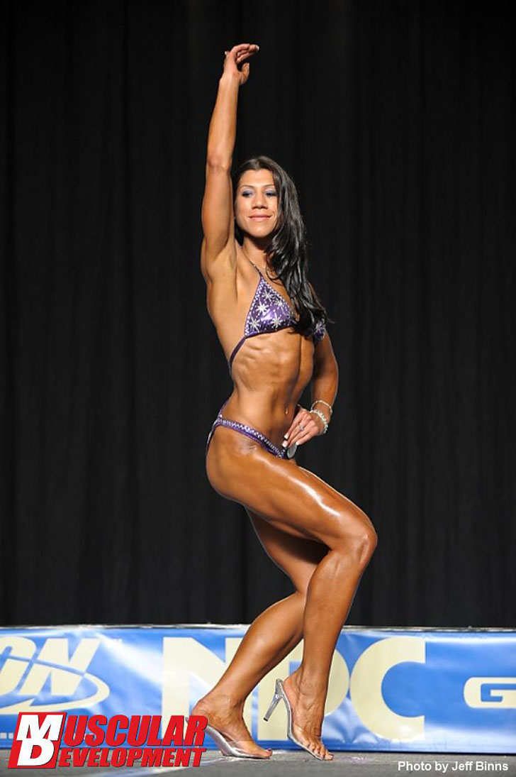 Nicole Pearson Poses Her Fit Physique At The 2011 Junior Nationals