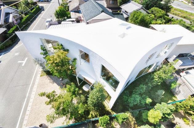 Rumah Unik Dengan Dinding Kurva