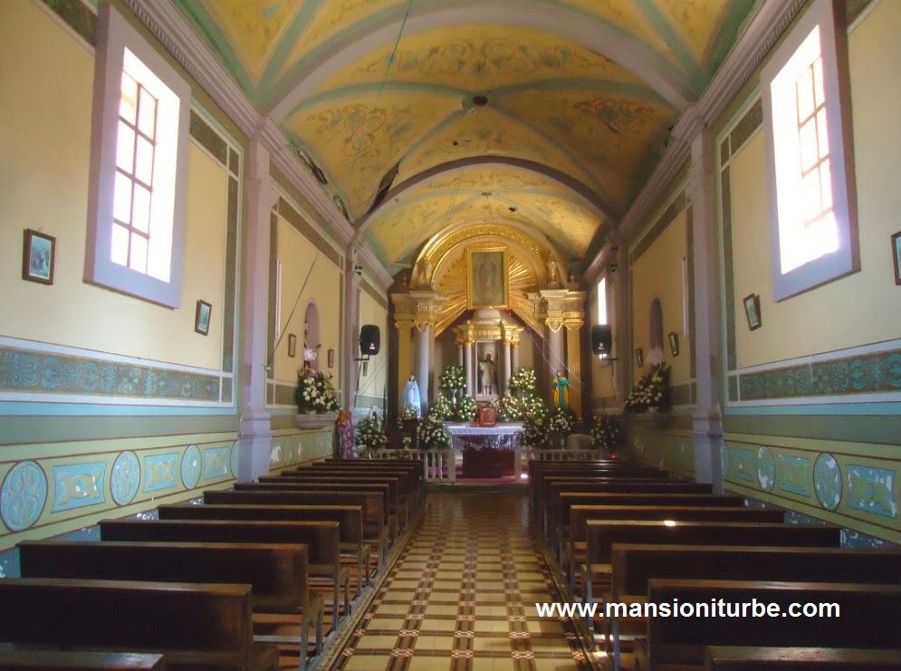 Interior del Templo de San Andres en Tocuaro