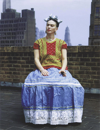 Frida Kahlo posa para Nickolas Muray