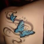 des Designs de Tatouage Fleur et papillon