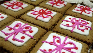 Polka Dot Gift Box Cookies