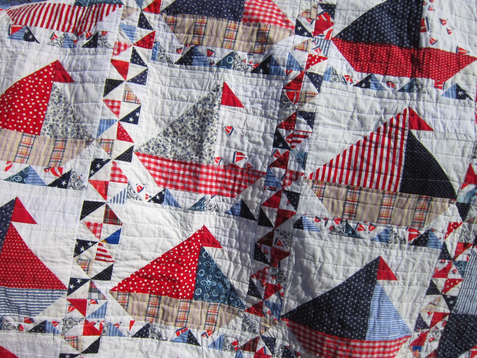 Missy's Homemaking Adventures: Finished Sail Boat Quilt! : sailboat quilt pattern - Adamdwight.com