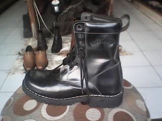 sepatu boot underground yang bagus