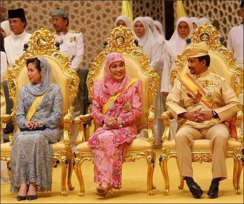 Sultan Of Brunei - Hassanal Bolkiah, One Of The Richest ...
