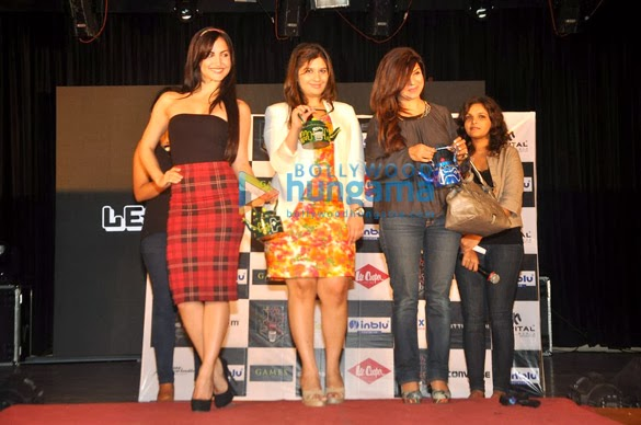 Prachi & Elli at National College's Cutting Chai Festiva