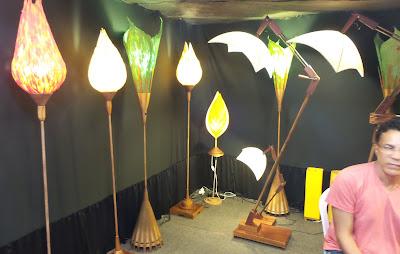 Ophicina de Criações; Fernando Galindo; luminárias; artesã; artesão; artista plástico; artesanato; feira; arte popular; lazer; reciclagem; luminárias