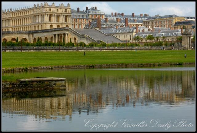 Château palace Versailles orangerie reflected