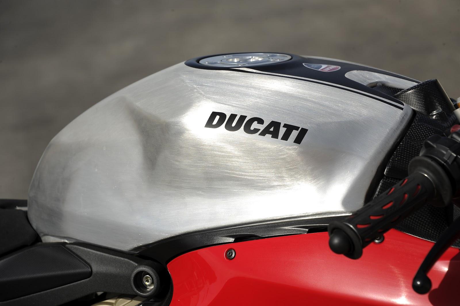 Racing Caf U00e8  Ducati 1199 Panigale Superstock 2012