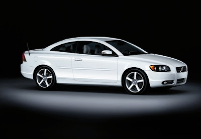 volvo-c70-ice-white-edition-photo