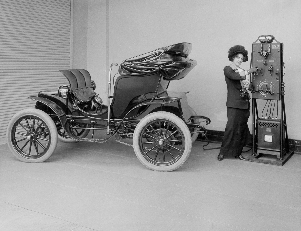 Amazing Photos of the First Electric Cars From the 1890s ~ vintage ...