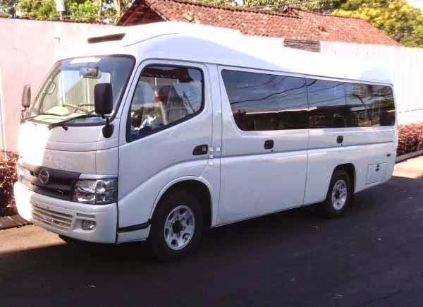 Micro Bus Hino Dutro 18 Seat