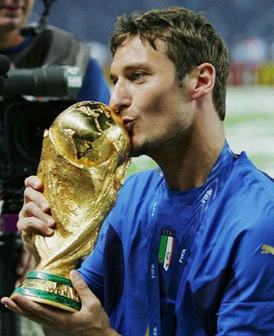 Tatiana Golovin  on New Millenium Sports  Francesco Totti Italy