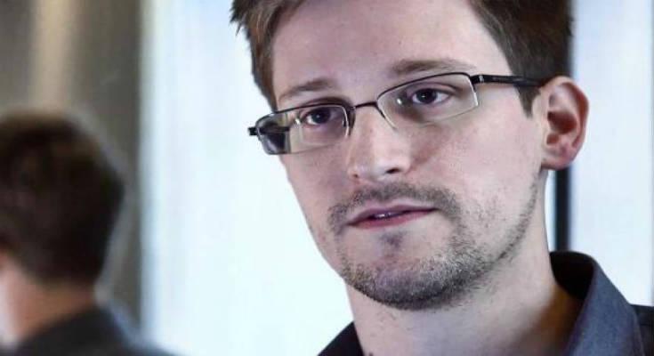 Ο Σνόουντεν αποκαλύπτει τις υποκλοπές των e-mail Βρετανών βουλευτών από τις υπηρεσίες πληροφοριών ΗΠΑ και Βρετανίας