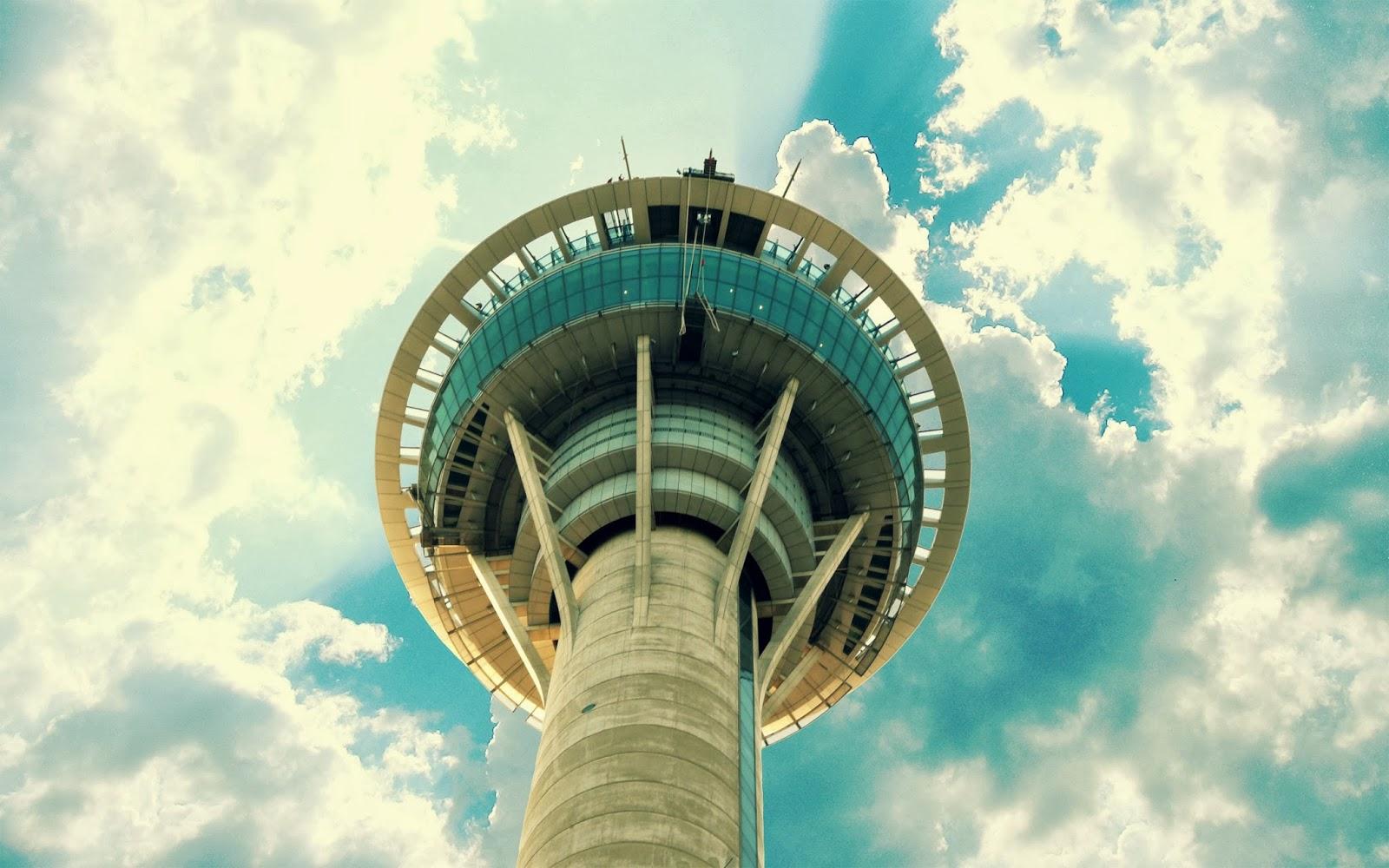 """<img src=""""http://4.bp.blogspot.com/-CG8VPBQ-078/Ut_sSaoqTzI/AAAAAAAAJvk/7RltxKU-VGo/s1600/macau-sky-tower.jpg"""" alt=""""macau sky tower"""" />"""