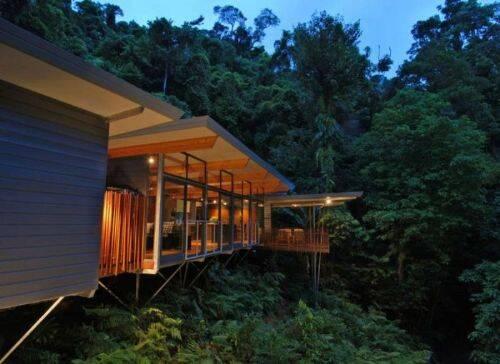 Espectacular casa del arbol en el bosque de Australia