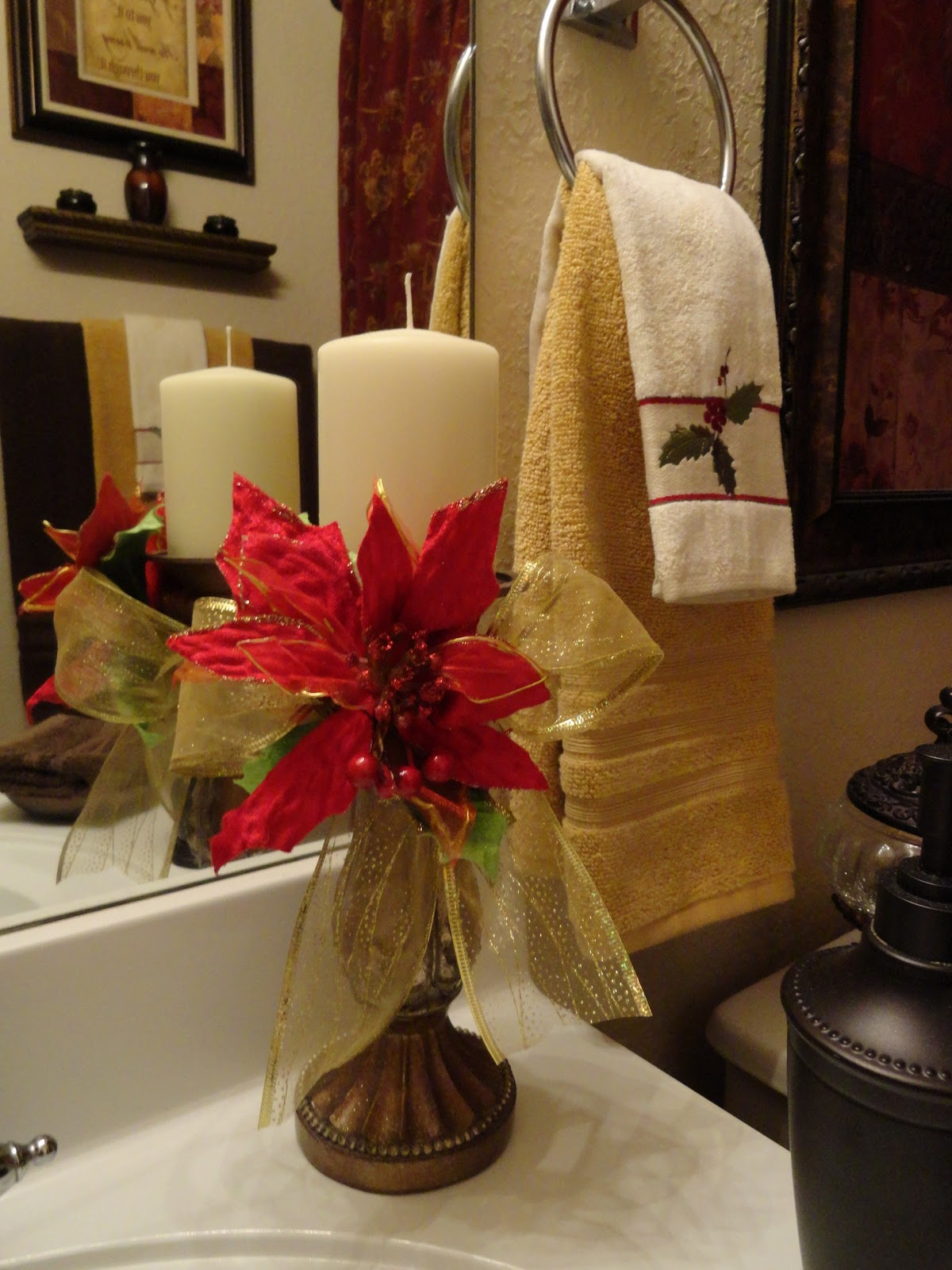 Our home away from home a touch of christmas in the guest for Bathroom christmas decorations ideas