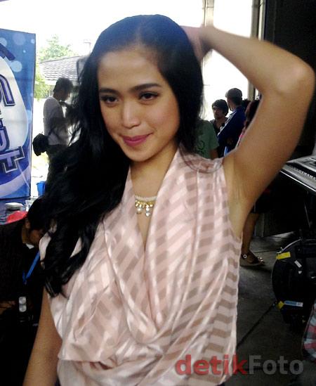 Foto Hot Jessica Iskandar Seksi