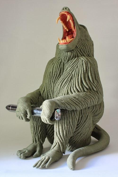 03-Baboon-Mozart-Guerra-Rope-Animal-Sculptures-www-designstack-co