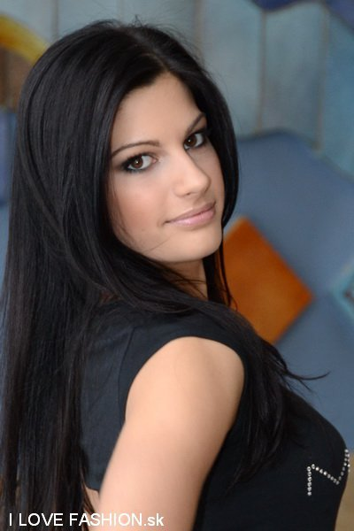 1st Runner-up Romana Procházková (Miss Earth 2011)