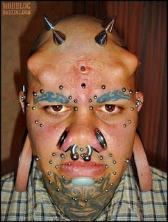Manusia penampilan paling aneh