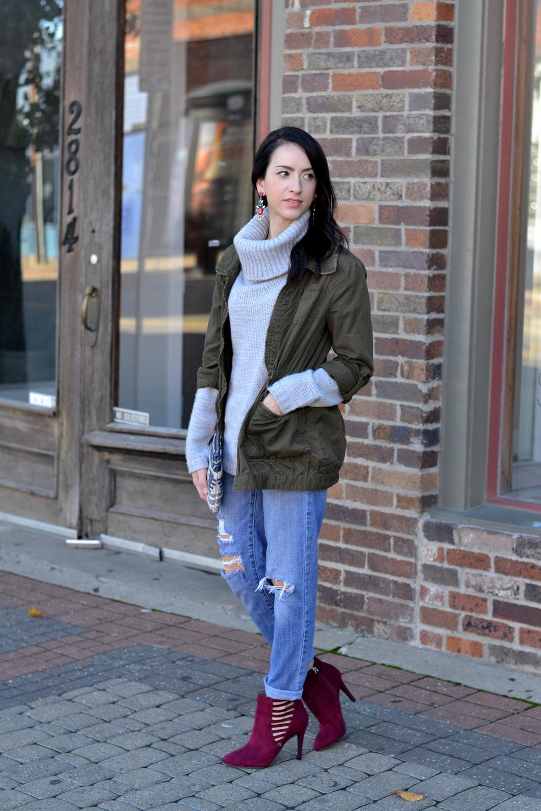 Fall Sweater_Boyfriend Jeans_Booties