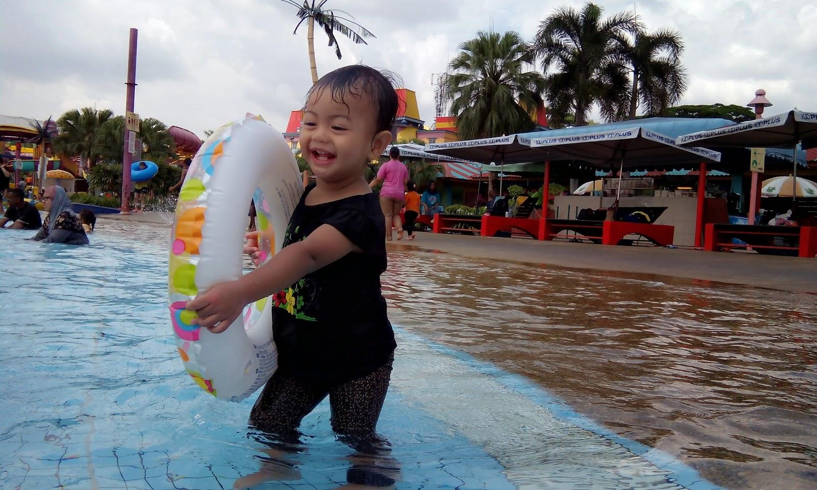 Desa Water Park Fauzi Aryaan