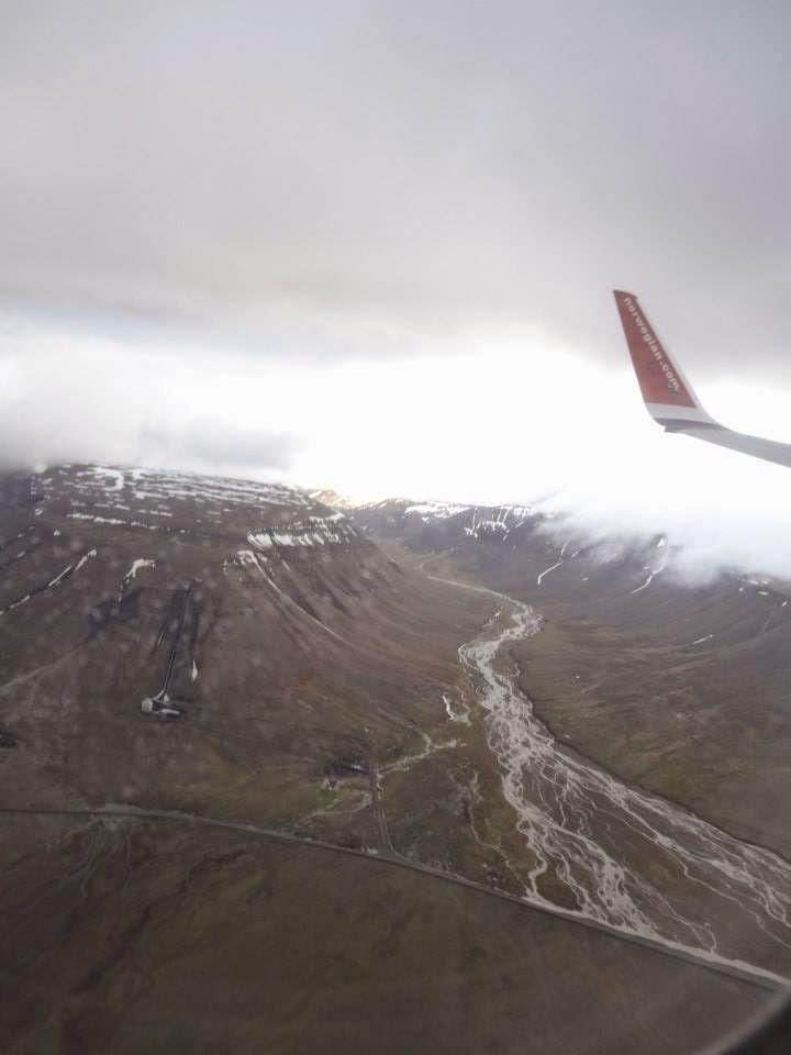 Landing to Longyearbyen