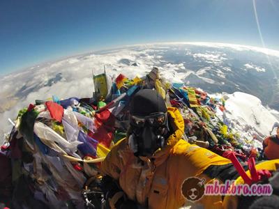 selfie di puncak Himalaya