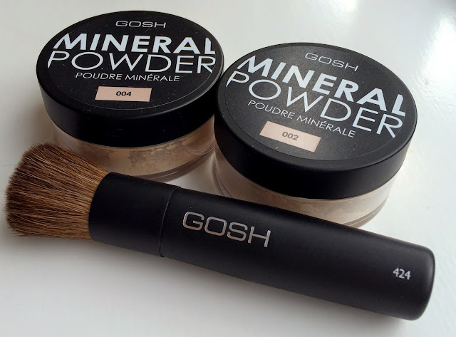 gosh-cosmetics-mineral-powder-and-brush-review-ivory-natural