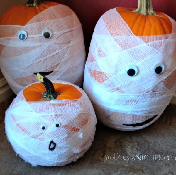 Halloween mummy pumpkins