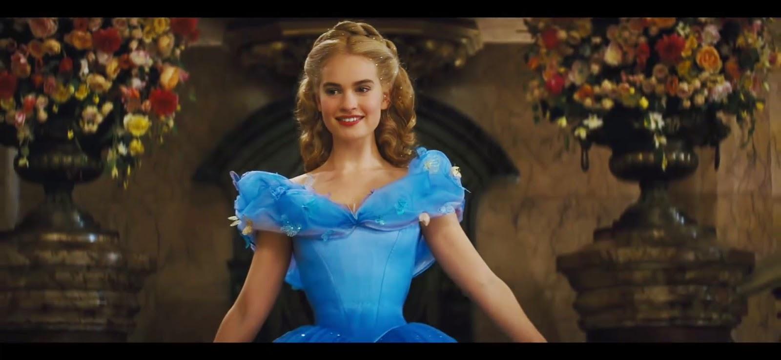Cenicienta partiendo la pana con su vestido en la fiesta del castillo.